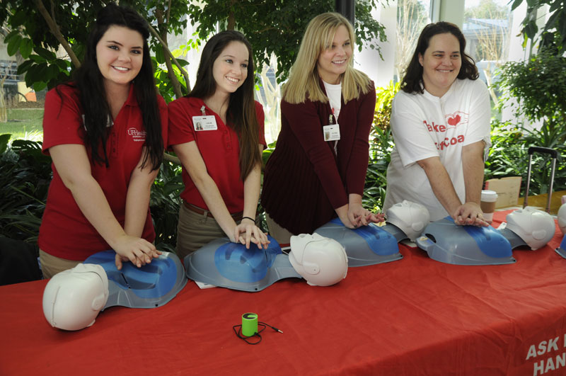 Learning To Save Lives 850 High Schoolers Take Hands Only Cpr